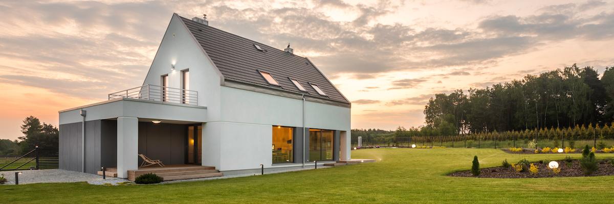 Dvojpodlažný rodinný dom s presklením