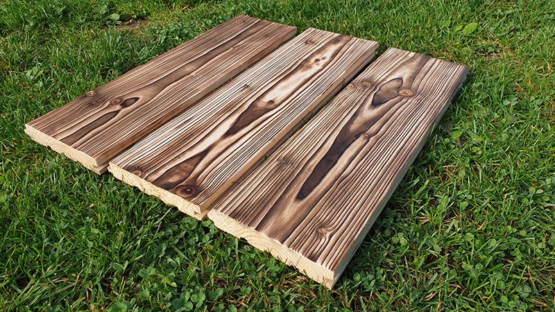 Príprava opaľovaného dreva na natieranie