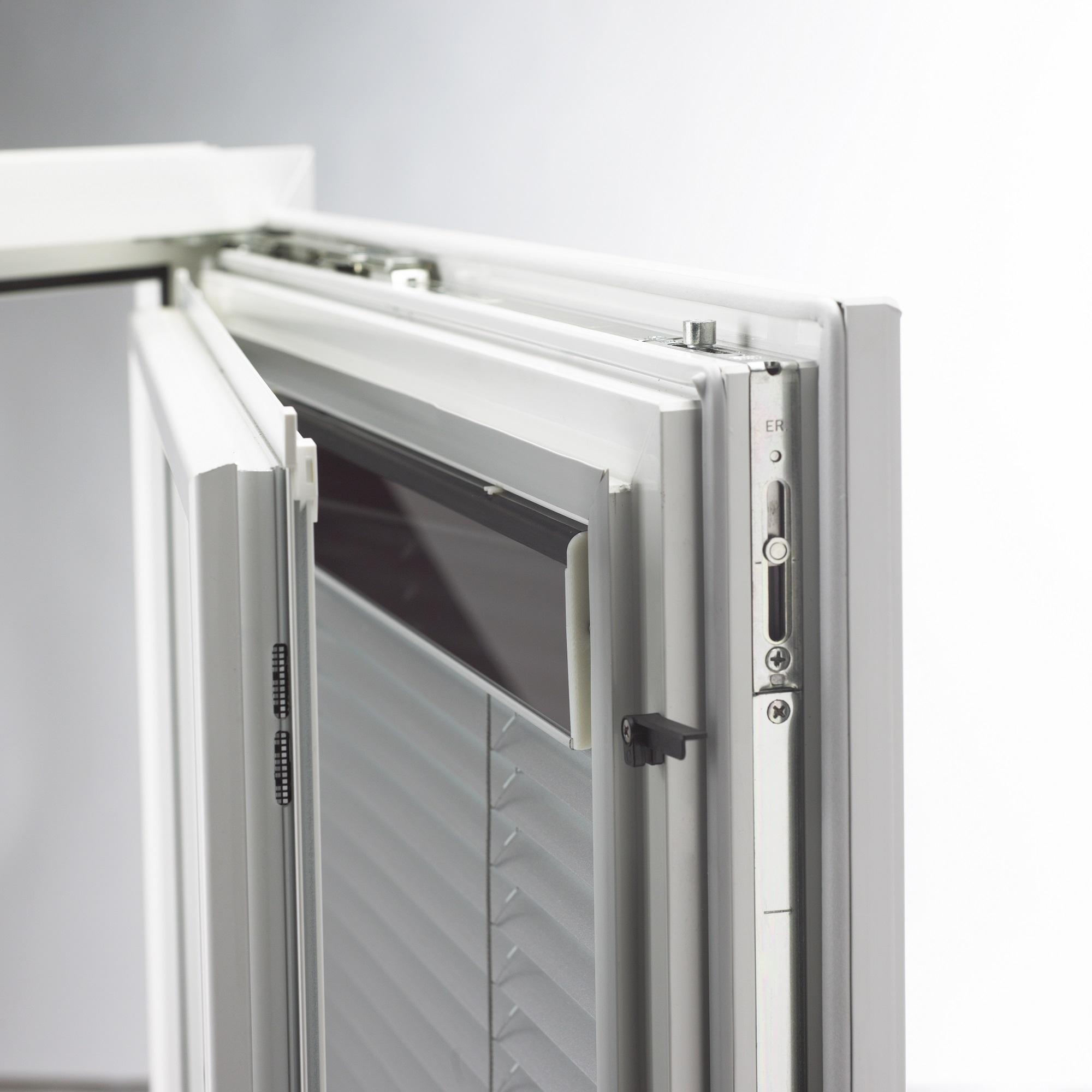 Zdvojené plastovohiníkové okno