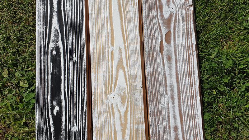 Opaľované drevo natreté akrylátovými farbami