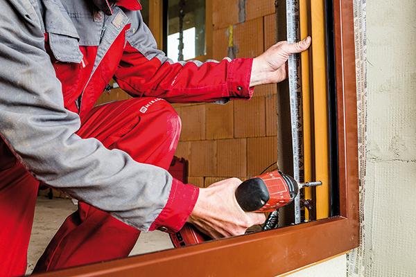 Montáž drevohliníkových okien