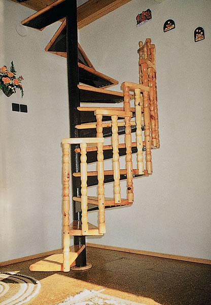 ocelovo drevene tocite schodisko 170 big image