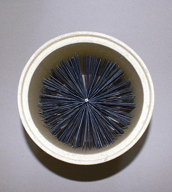 c5ca24e482512 Na čistenie šamotových dymovodov či vložiek komínov používame oceľovú kefu  s priemerom rovnakým ako priemer komína.