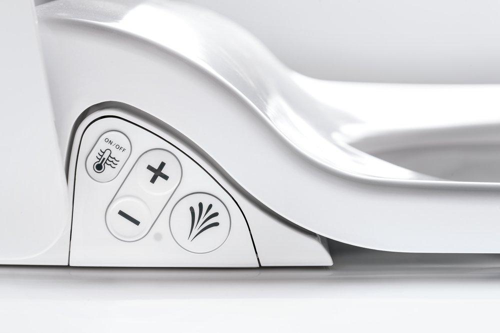 Intuitívny ovládací panel a prehľadný diaľkový ovládač.