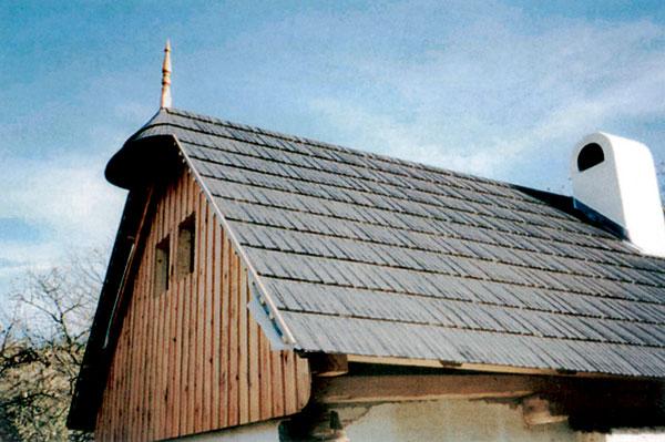 Drevené šindle nachádzame najmä v architektúre ľudového alebo historického typu.