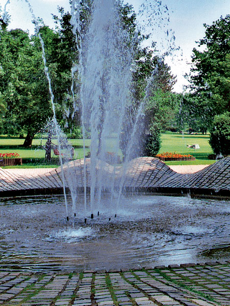 04 lesinska fontana big image