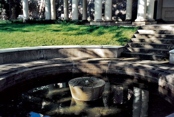 16 lesinska fontana big image