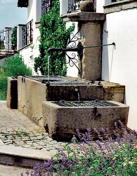 17 lesinska fontana big image