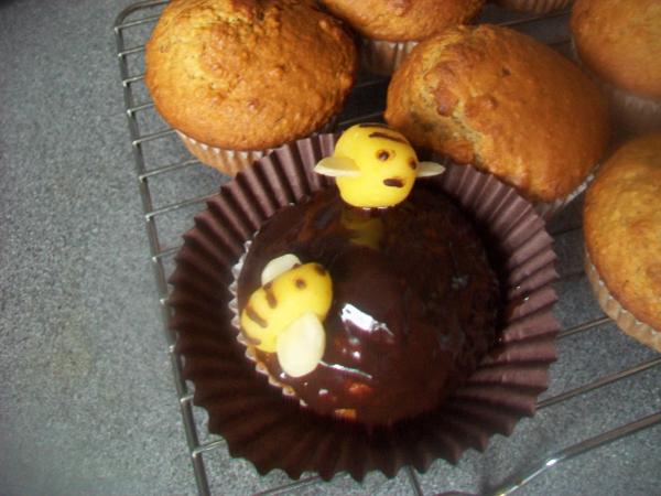 bananovo cokoladove muffiny s ozdobou
