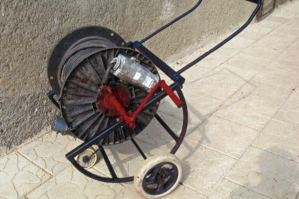 bubon na elektricky kabel
