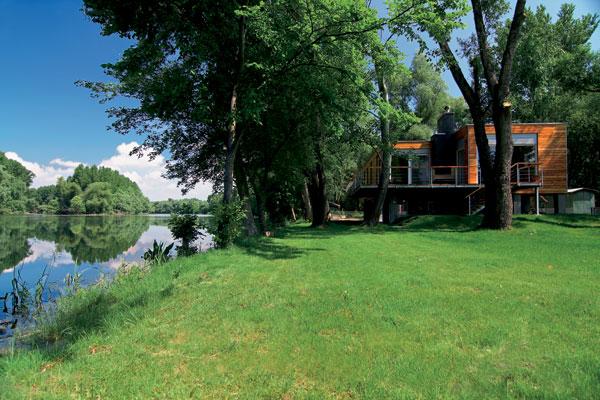 Chata, ktorá žije s riekou