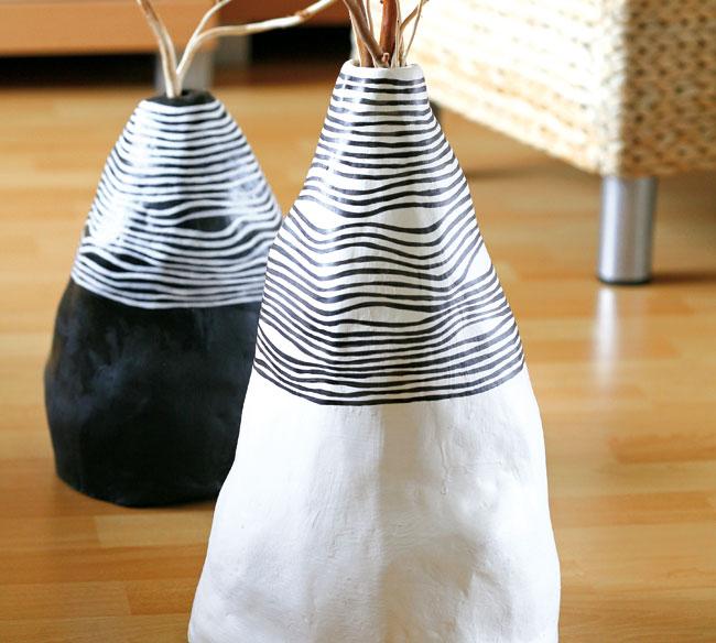 dekoracna vaza zrecyklovaneho materialu