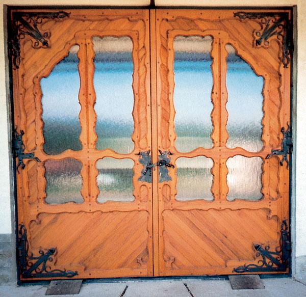 dvere na garaz s poistkou klucky