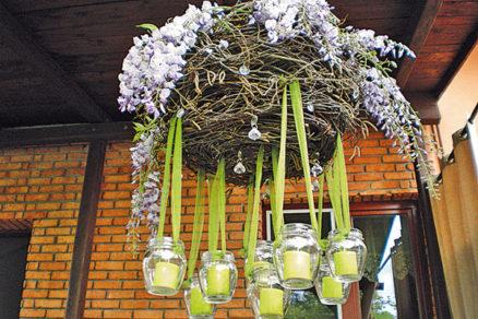 Závesný kvetináč a lampáš v jednom