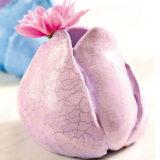 Originálne modelované vázy v tvare púčika