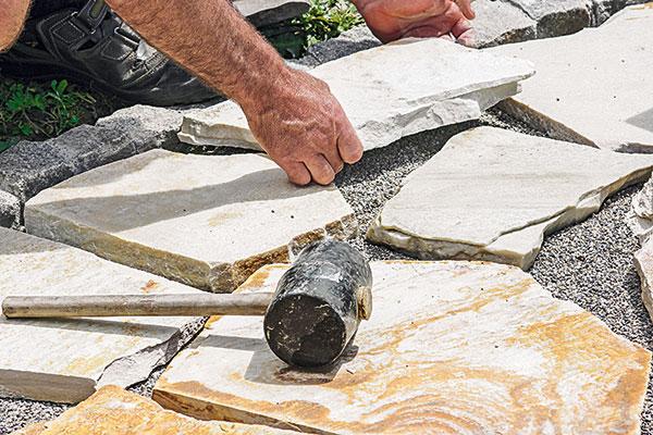 Ako vydláždiť kameňom príjazdovú cestu