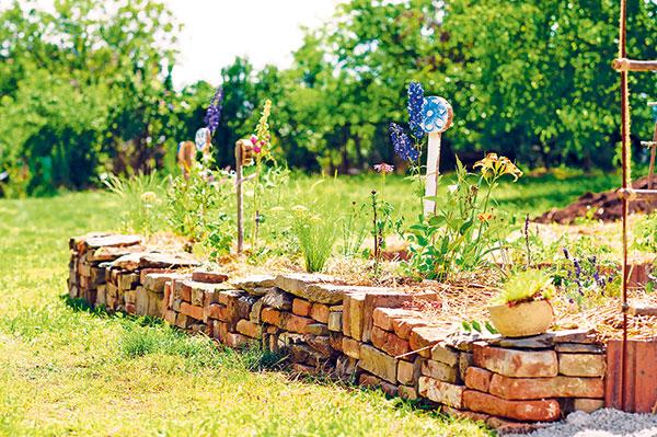 Zakladáme vyvýšené záhony v záhrade