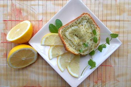 Osviežujúci matchovo-citrónový koláč
