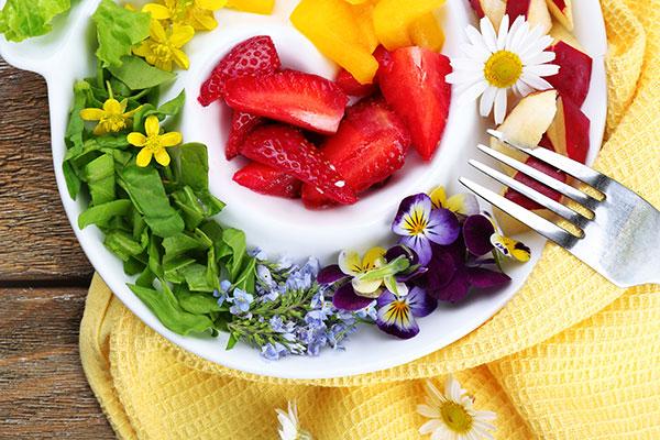 Kvety na tanieri? Estetický, chuťový a ozdravný pôžitok!