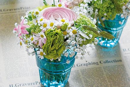 Krásne pohárové kytičky vhodné na každý stôl
