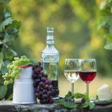 Domáce vínne likéry, tinktúry a maceráty: Urobme z vína liek!