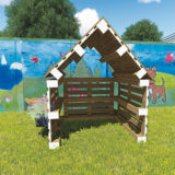 Záhradné útočisko pre deti z paliet a so šindľom