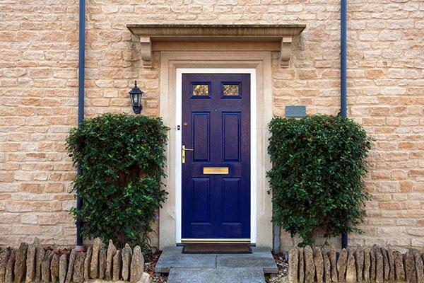 Ako správne zabezpečiť vstupné dvere?