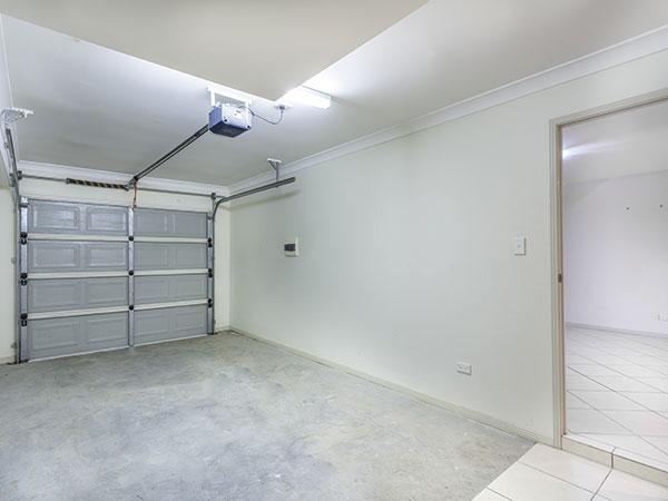 Sanácia zvlhnutej omietky v garáži