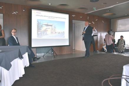 Sálavému a veľkoplošnému elektrickému vykurovaniu sa na Slovensku darí