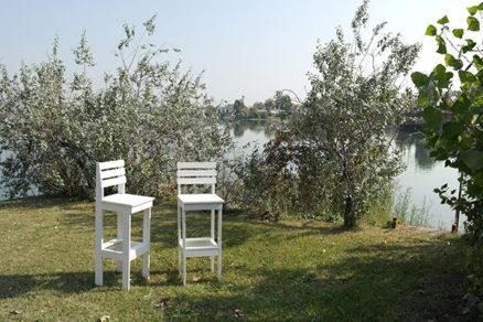 Barové stoličky z paliet vhodné na chatu alebo záhradu