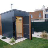 Vkusný záhradný domček do malej záhrady