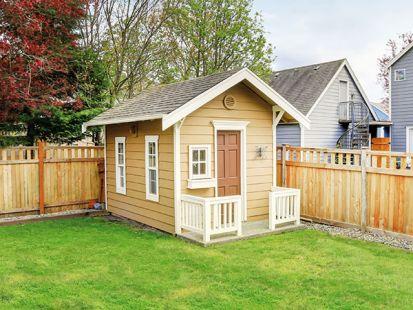 Ako zrenovovať strechu záhradného domčeka, altánku či parkovacieho miesta?