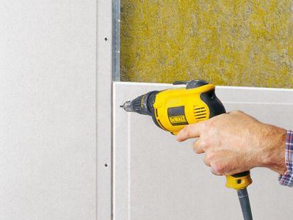 Aký rozdiel je medzi sadrokartónovou, sadrovláknitou a cementovláknitou doskou?