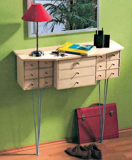 kompaktny a elegantny stolik do predsiene