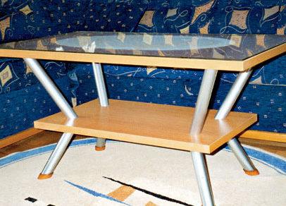 konferencny stolik
