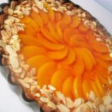 marcipanovo broskynovy kolac tart