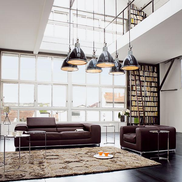 nabytok v otvorenom interieri