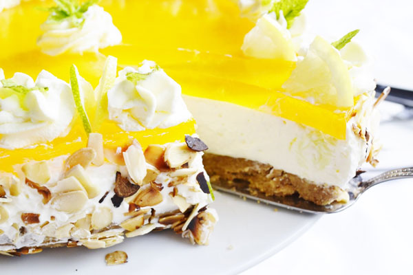 nepecena citronova torta vyborne osviezi