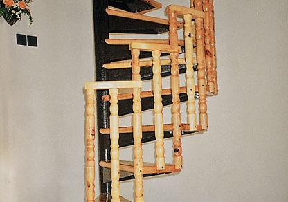 ocelovo drevene tocite schodisko