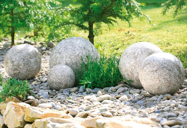 okrasne gule z betonu do dvora i zahrady