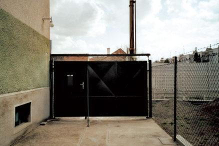 osadenie vchodovej brany
