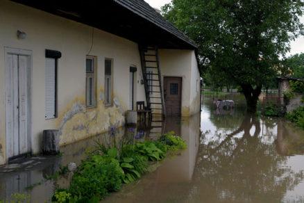 pomoc postihnutym povodnami 2010