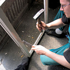 postup pri vymene rozbiteho skla na okne