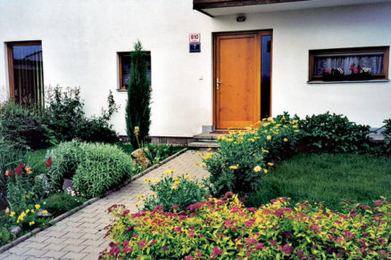predzahradka okrasny vstup do domu