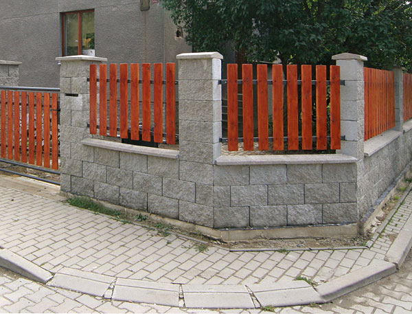 stavba murovaneho plota ako na to