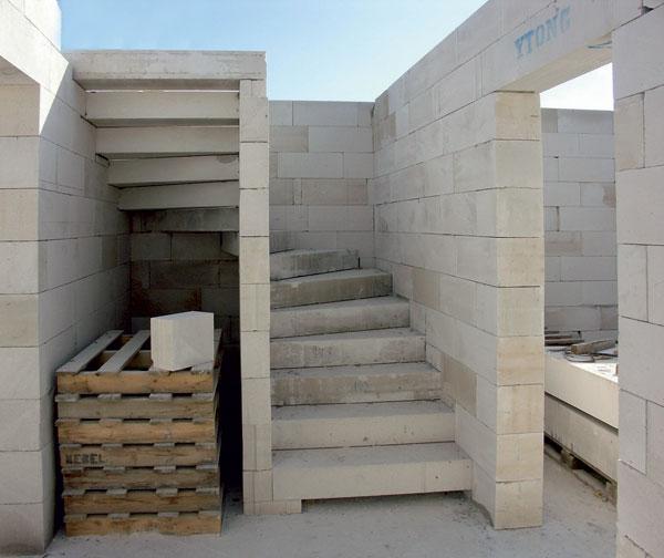 staviame schodisko z porobetonu