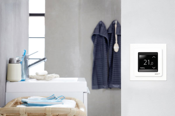 vymente stary termostat za novy s dotykovym displejom
