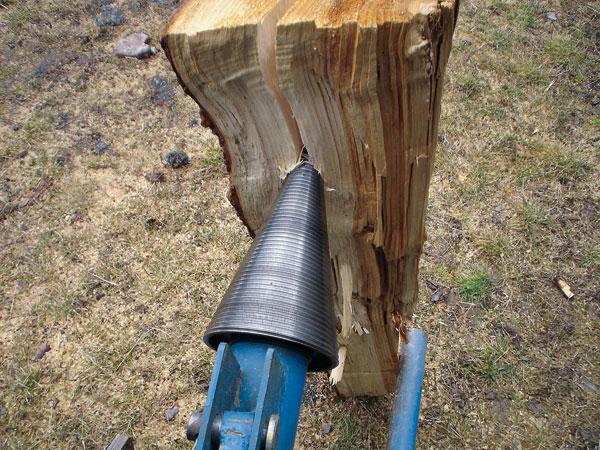 vyrobte si prakticku kalacku na drevo