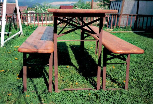 vyrobte si stol a lavice do zahrady