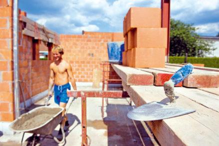 Výstavba steny zkeramických tvárnic